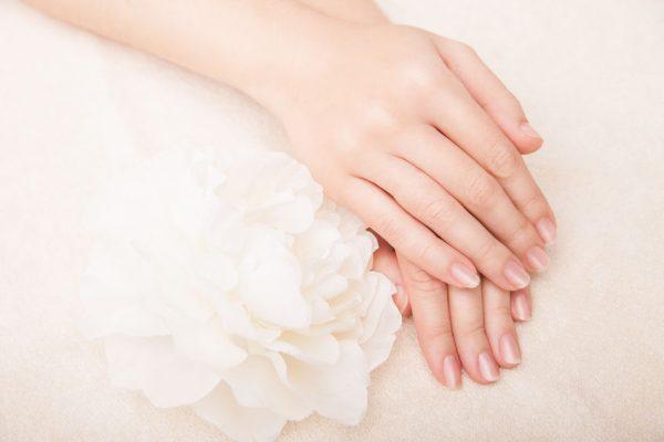 Lámavé a mäkké nechty a ako ich spevniť